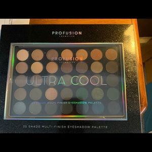 Ultra Cool Makeup Palette!
